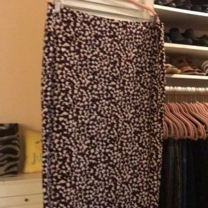 VINCE CAMUTO Pencil Skirt Berry/Black print.  Sz L